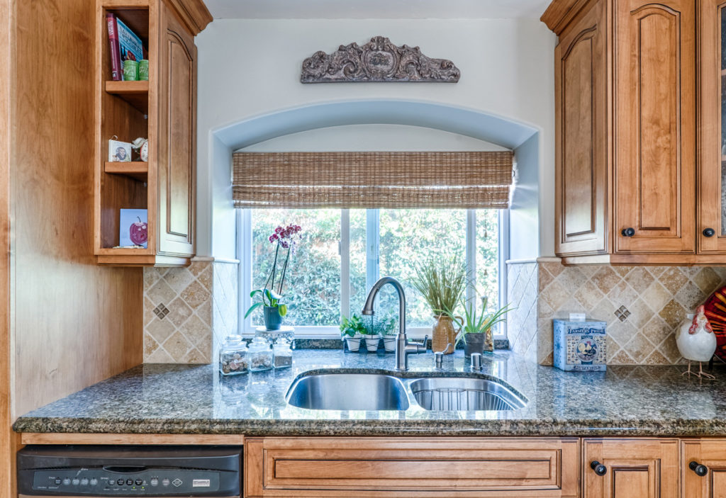 Furniture-Style-&-Staging-Kitchen-Sink-Comforts