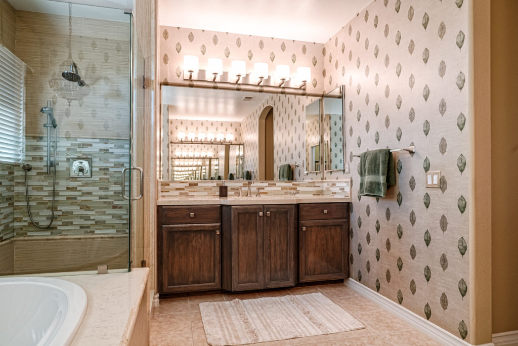 Modern-Tommy-Bahama-Bathroom-His-Sink