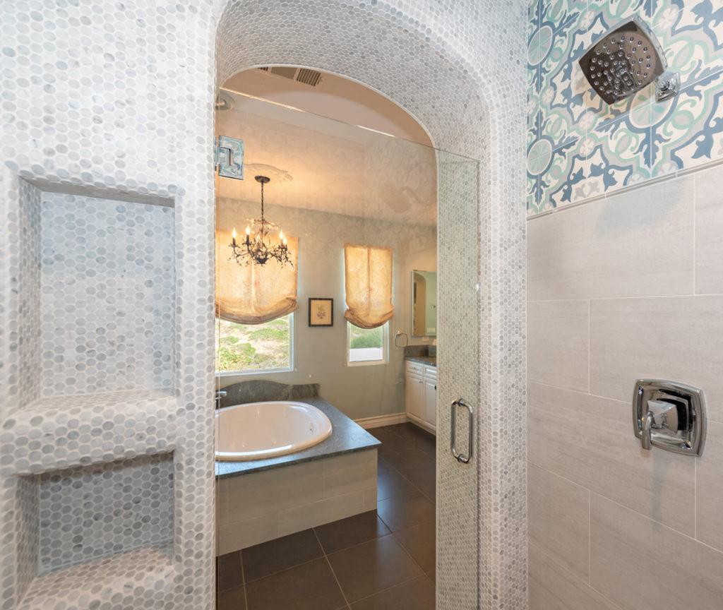 Moroccan-Inspired-Shower-lighting