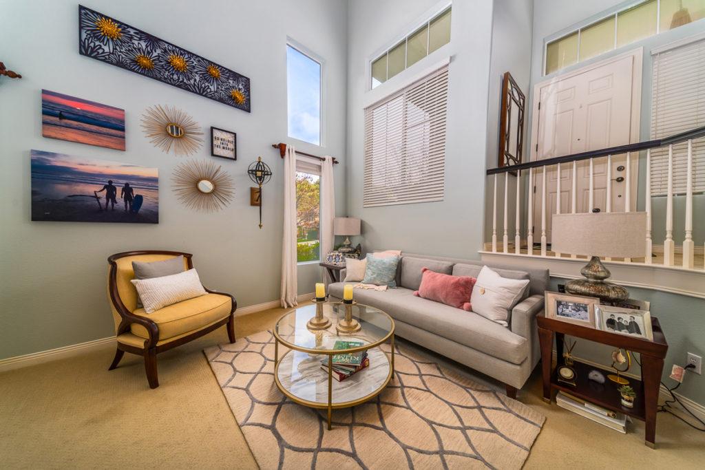Modern-Romantic-Restyle-Living-room