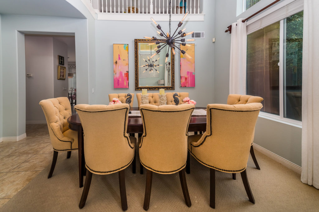 Whimiscal-Dinning-Room-Accents