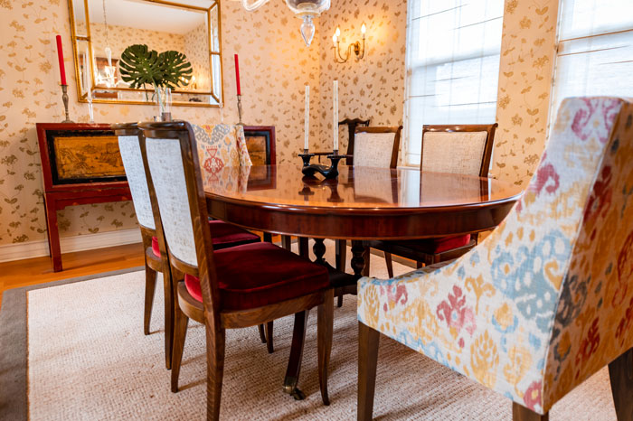 Dinning-room-blend-of-texture-color-and-patterns