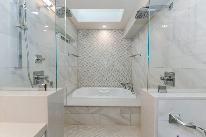 Luxurious-double-rainfall-shower-with-large-tub_0016-Edit