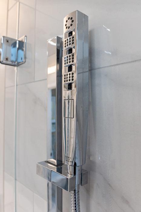 Massaging-showerhead-0046